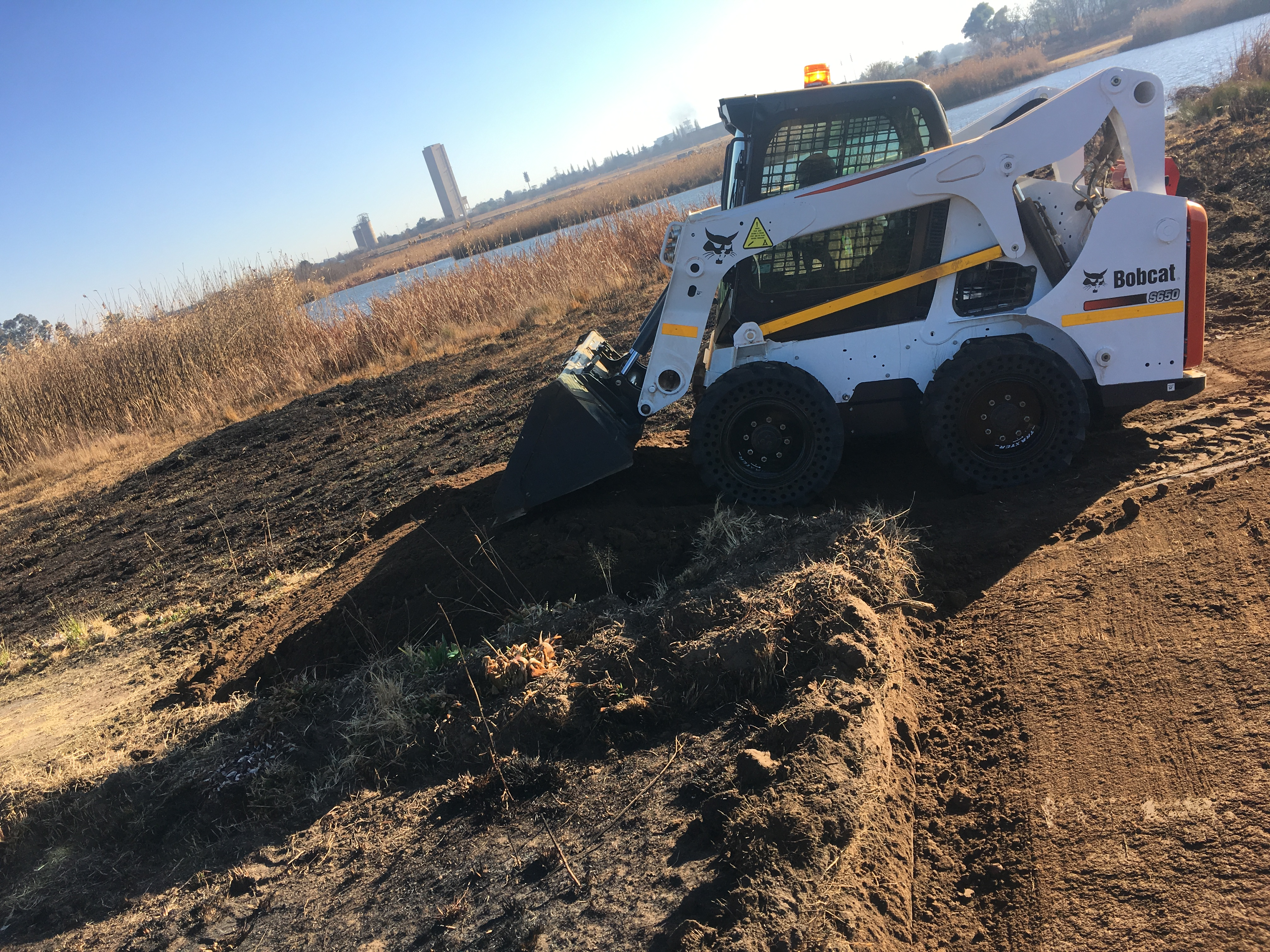 Bobcat S650 helps make Ekurhuleni community cycle track a