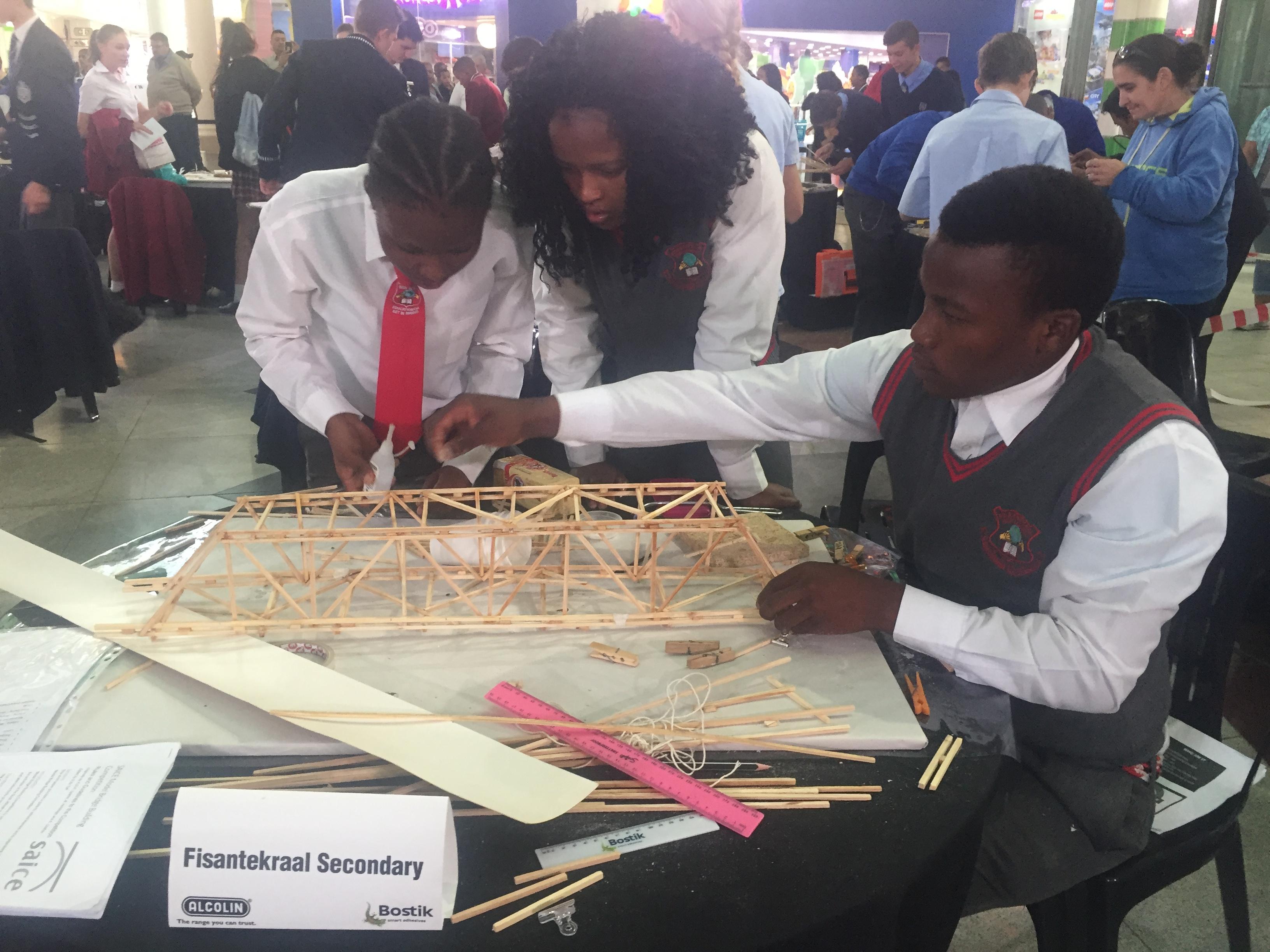 SMEC South Africa sponsors SAICE bridge-building competition